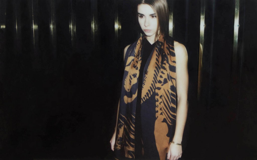 Extinction scarf_Gold beams_sized